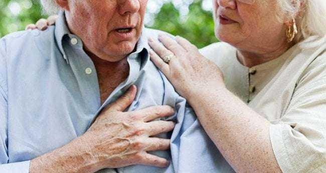 Kalp Krizi Geçiren Kişi Neler Yapmalı? İşte Size Hayat Kurtaracak Öneriler! 3