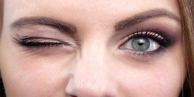 Göz Seğirmesi Neden Olur? Nasıl Geçer? 1