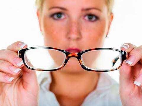 Gözlük takmadan göz bozukluğunu düzelten 4 yöntem 3