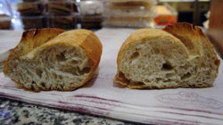 Ekmek bozulmasın diye kesinlikle Buzdolabına koymayın 5