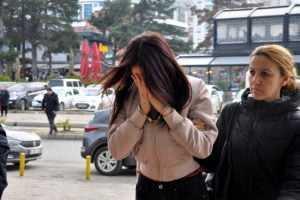 Photo of Dayağı kaydedip internette yayınladılar! İşte üniversiteli o kızlara verilen ceza